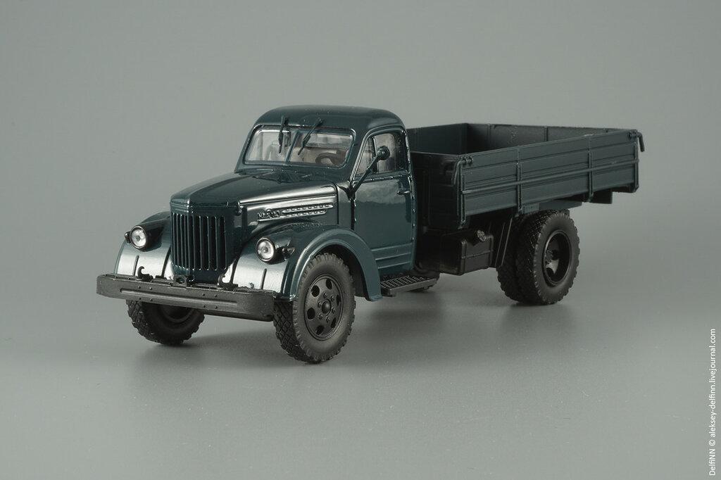 Урал-355М-02.jpg