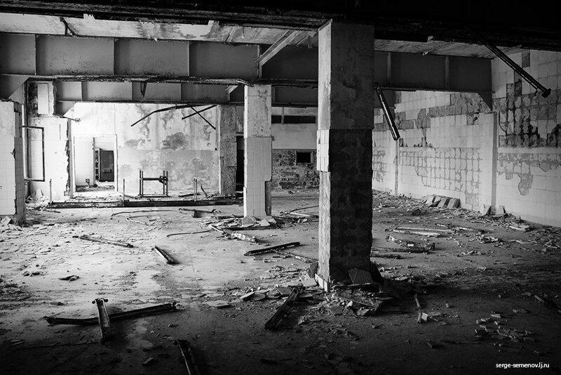 Заброшенные цеха завода