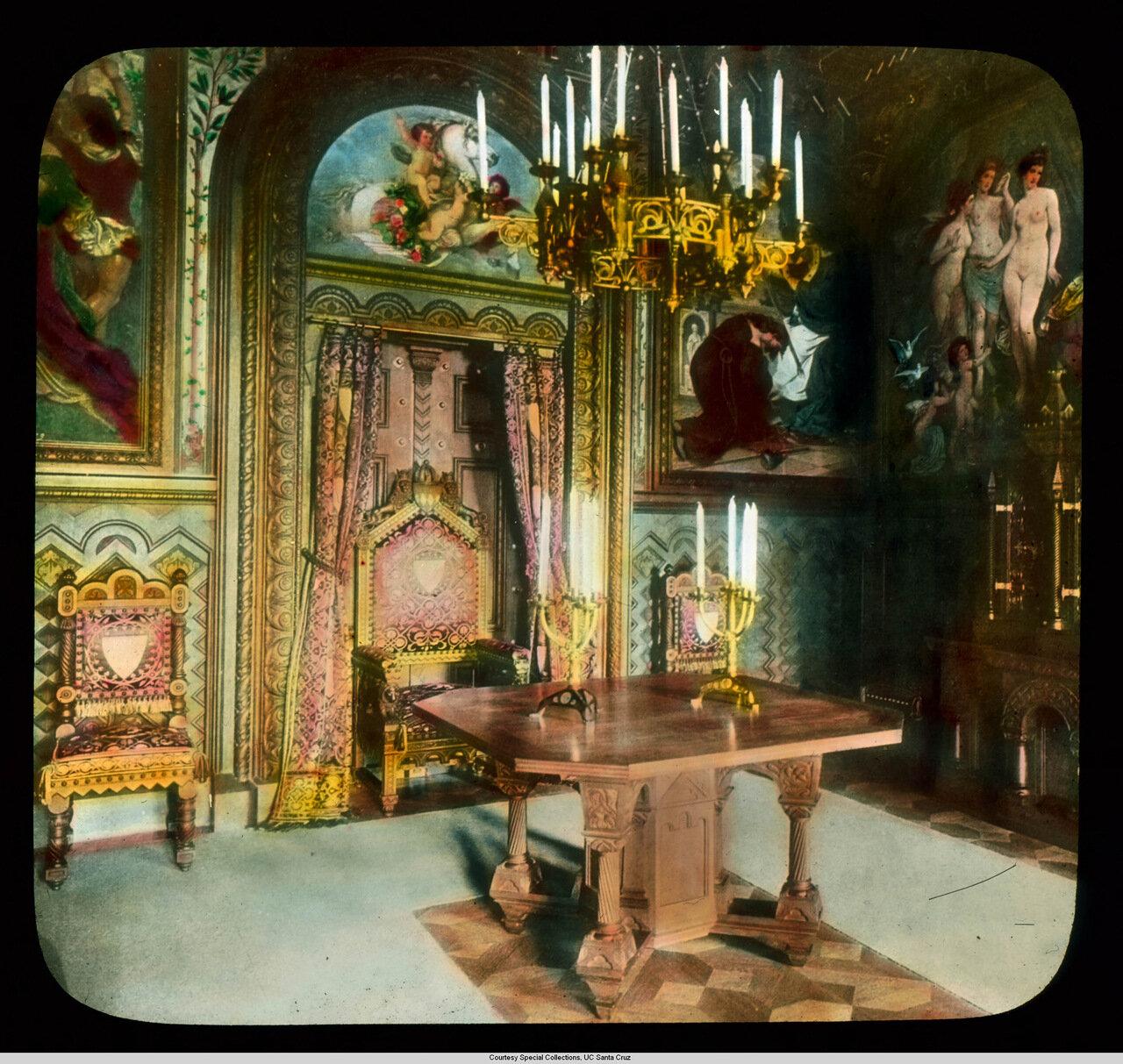 Бавария. Дворец Нойшванштайн. Комната с росписью стен на тему Тангейзера