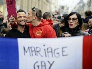 Французы выступили в поддержку однополых браков