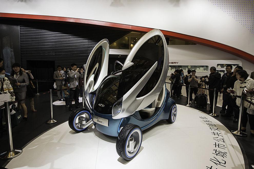 Автомобильный салон в Шанхае / Auto Shanghai 2013