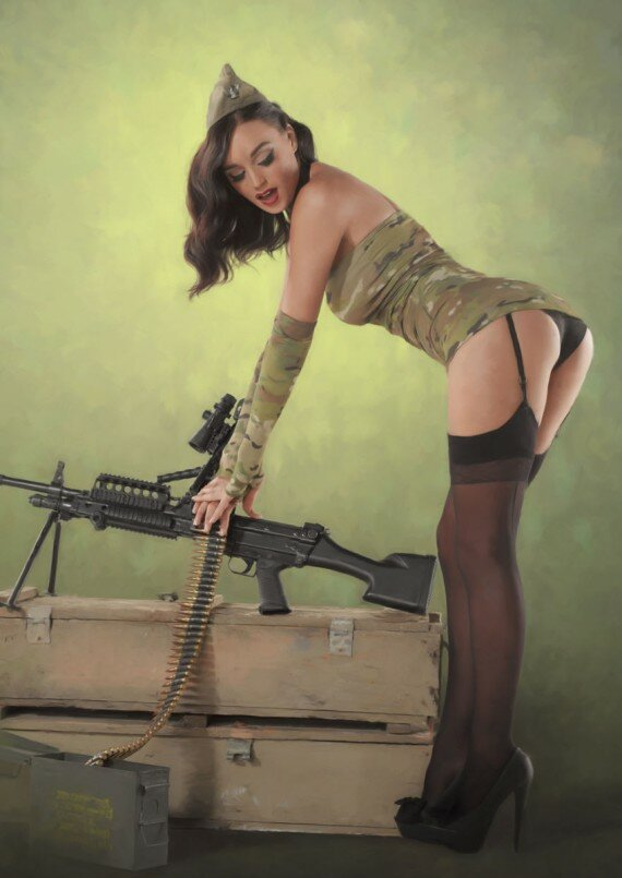 Секс с военой девушкой