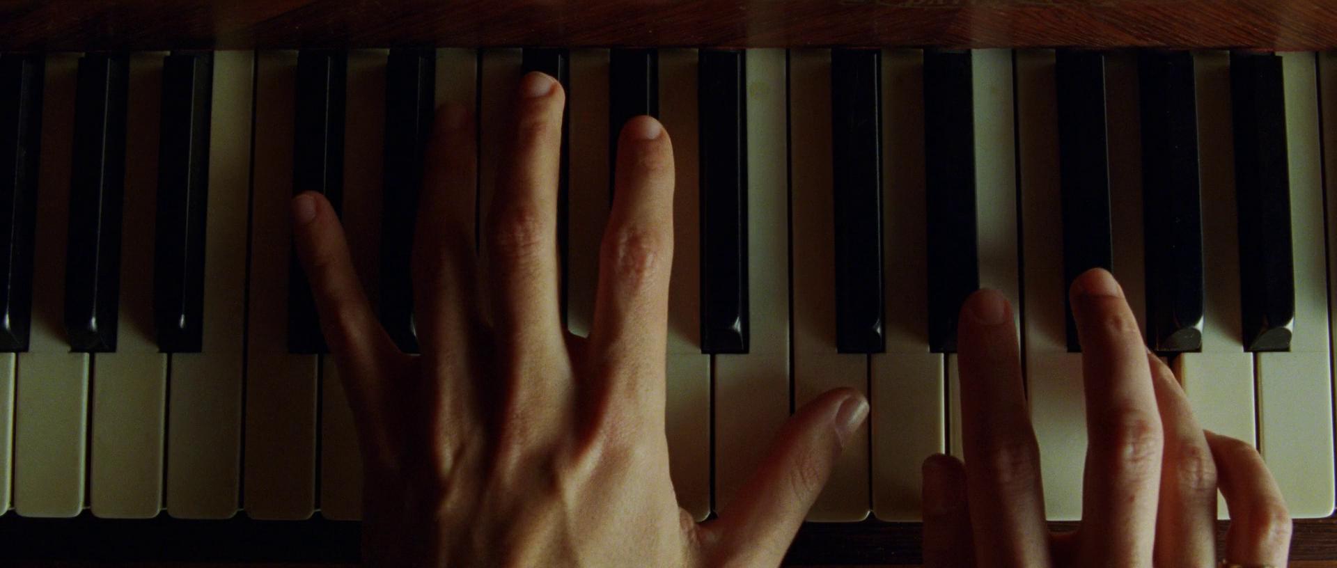Секс на пианино мужчина послушал 7 фотография