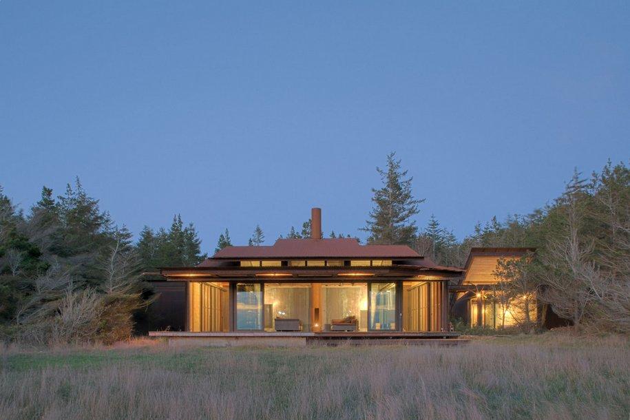 Частный дом с откидной крышей