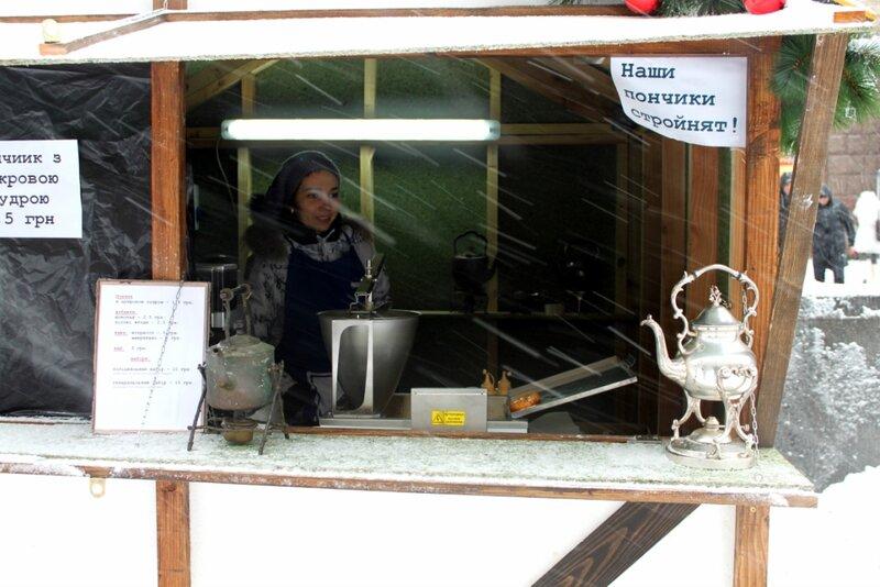 Торговля пончиками на Крещатике
