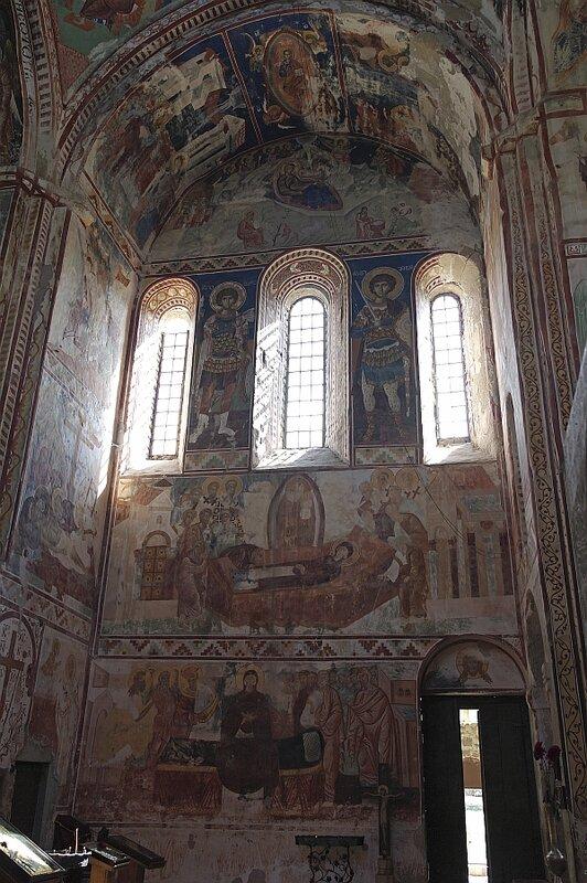 Южная стена собора в Гелати