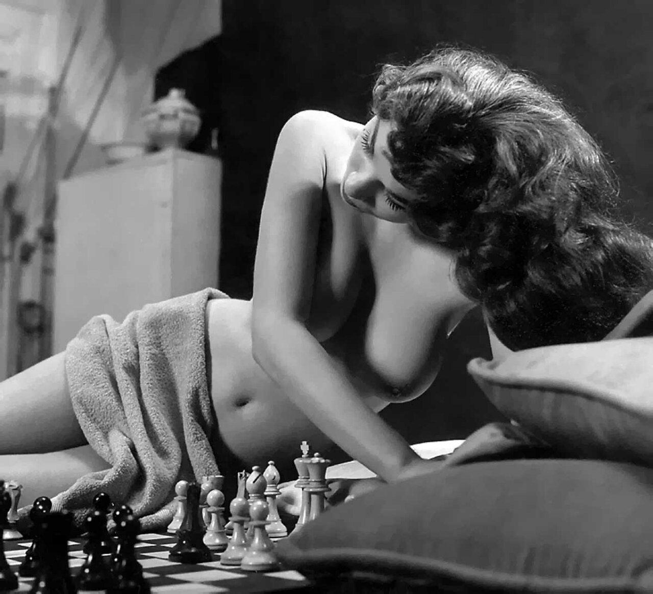 Эротическая игра как соблазнить девушку 15 фотография