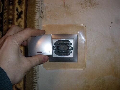 Фото 15. Установка клавиши на новый выключатель.