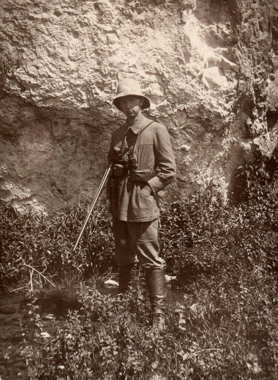 1923 г. 5 июля. К. Воробьев в экспедиции Огнева