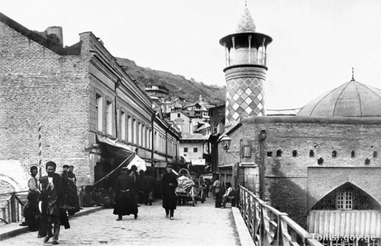 Мечеть и мост на Майдане. Тифлис 1881.