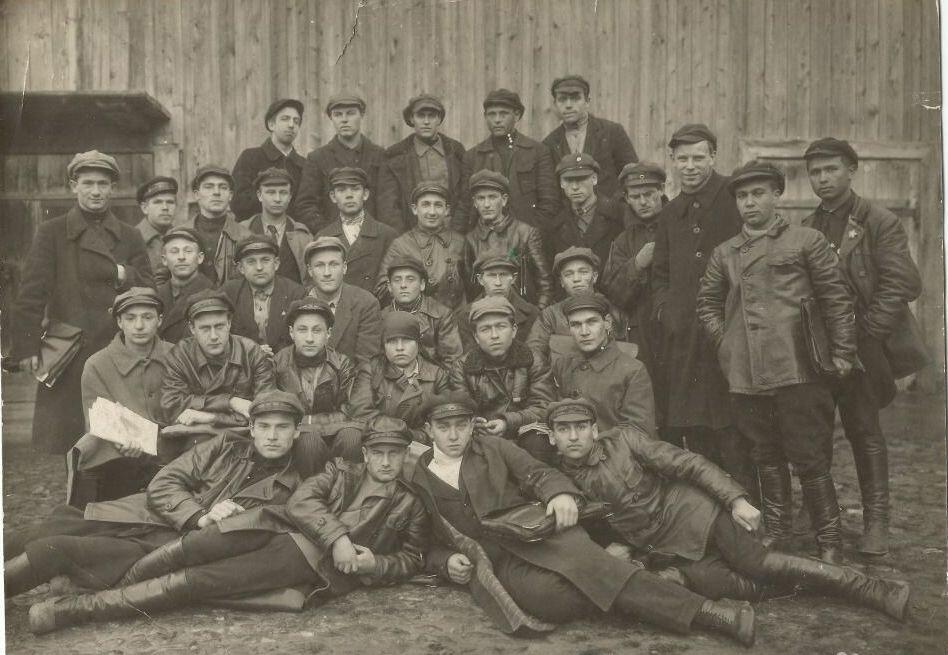 Члены Ярцевского ЛКСМ