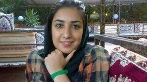 Иранскую художницу будут судить за рукопожатие с мужчиной