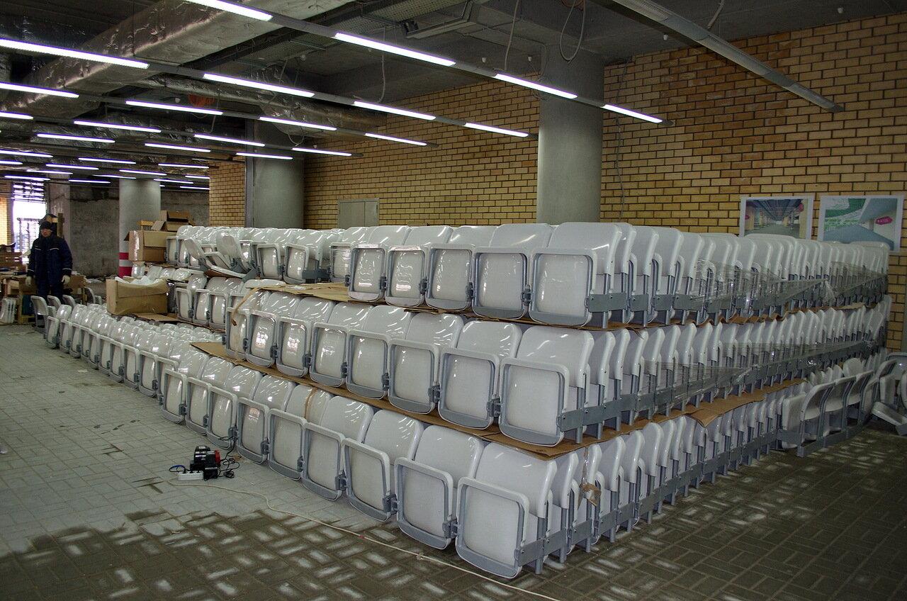 Пластиковые сиденья