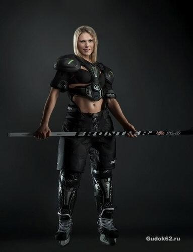 Капитан женской сборной по хоккею - голая Екатерина Смоленцева