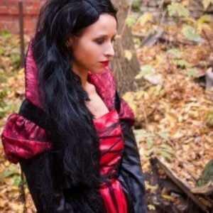 Женский карнавальный костюм Платье королевы замка