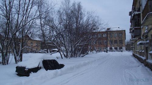 Фото города Инта №2835  Коммунистическая 6, 22 (школа №3) и 20 31.01.2013_13:33