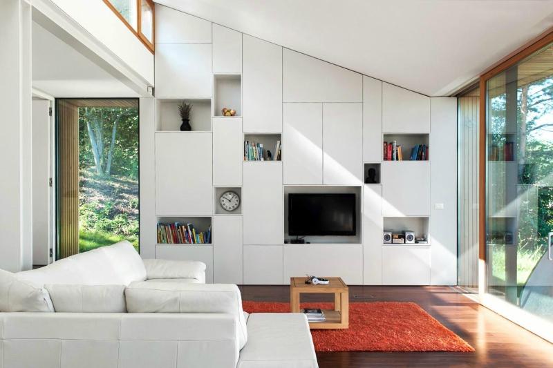 Белый цвет в интерьере гостиной, фото 9