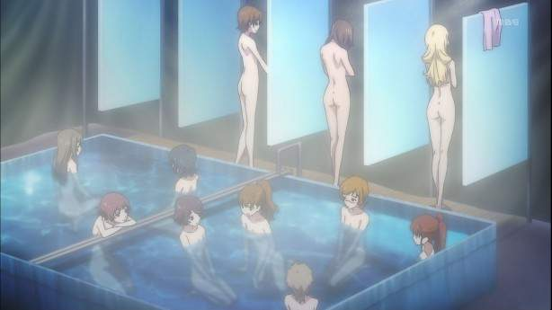 Kakumeiki Valvrave, аниме 2013, сиськи, женская баня, цензура