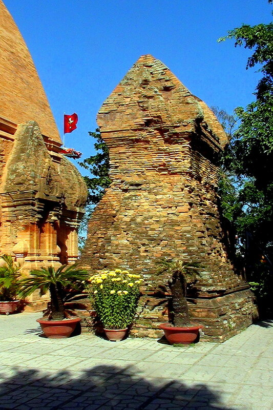 Чамские башни По Нагар 2