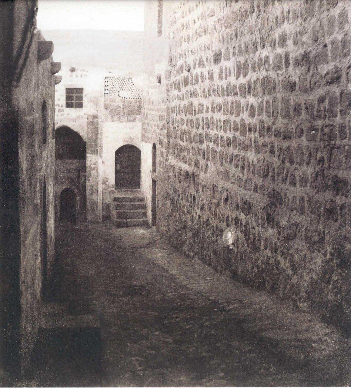 Виа Долороза 8 остановка. Место встречи Христа с благочестивой женщиной. 1870 г.