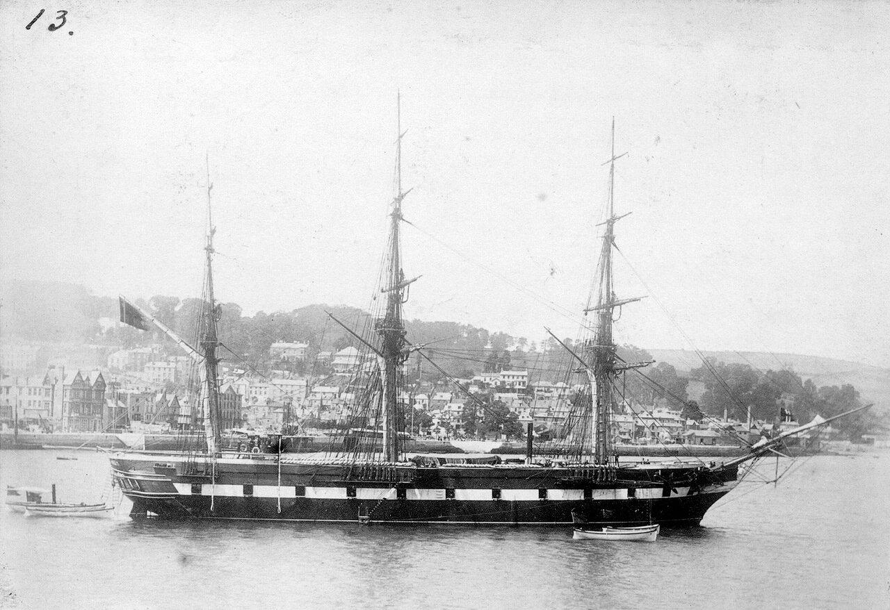 HMS Ванадис в Дартмуте, Великобритания