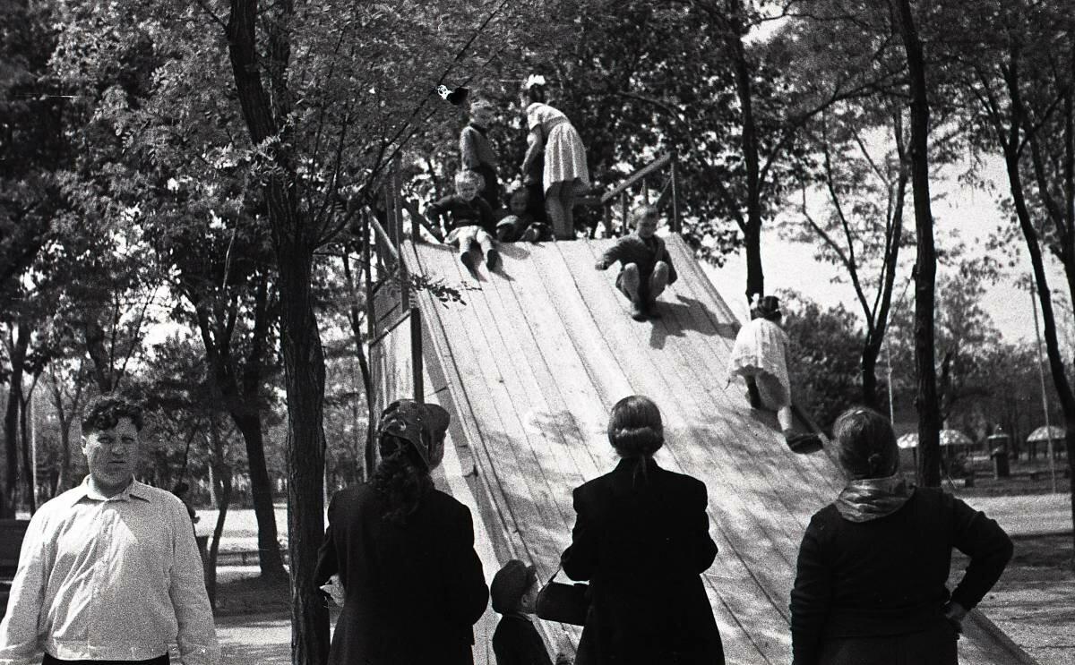 Горка в парке Островского