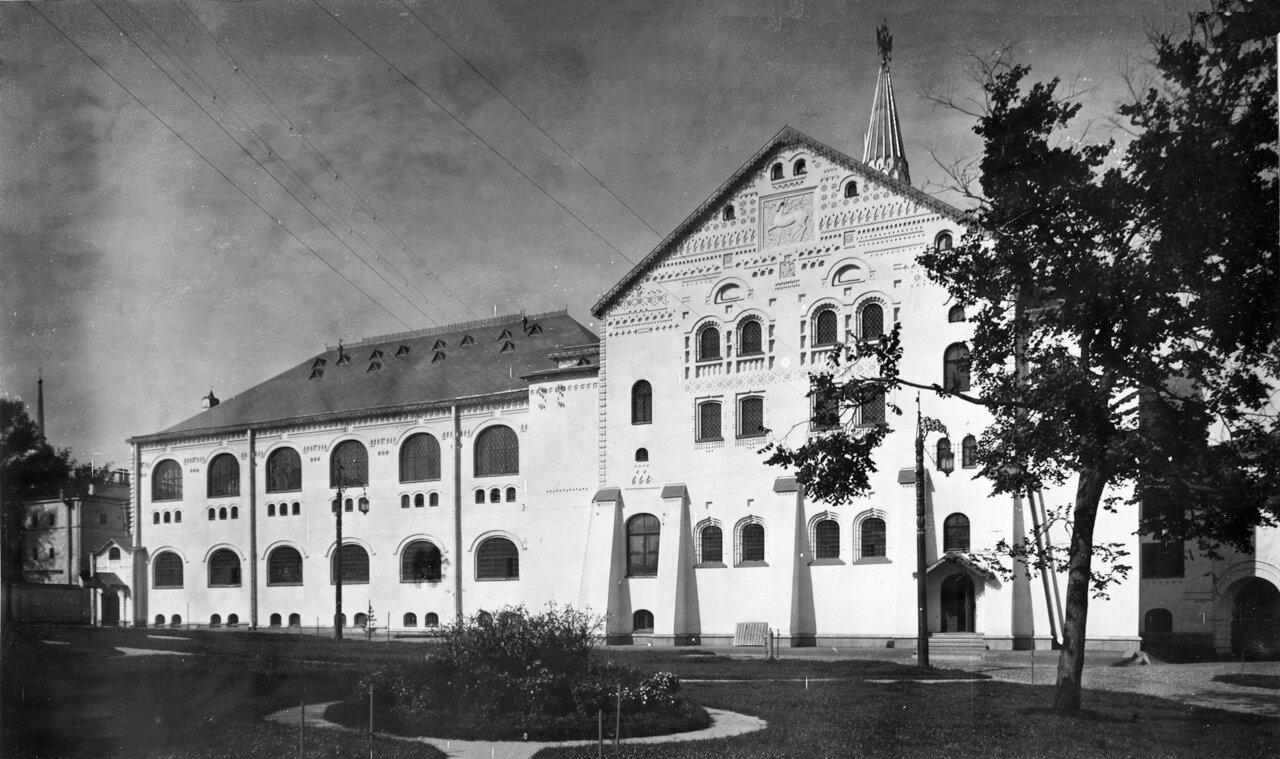 Государственный банк на Большой Покровской. Вид со двора.