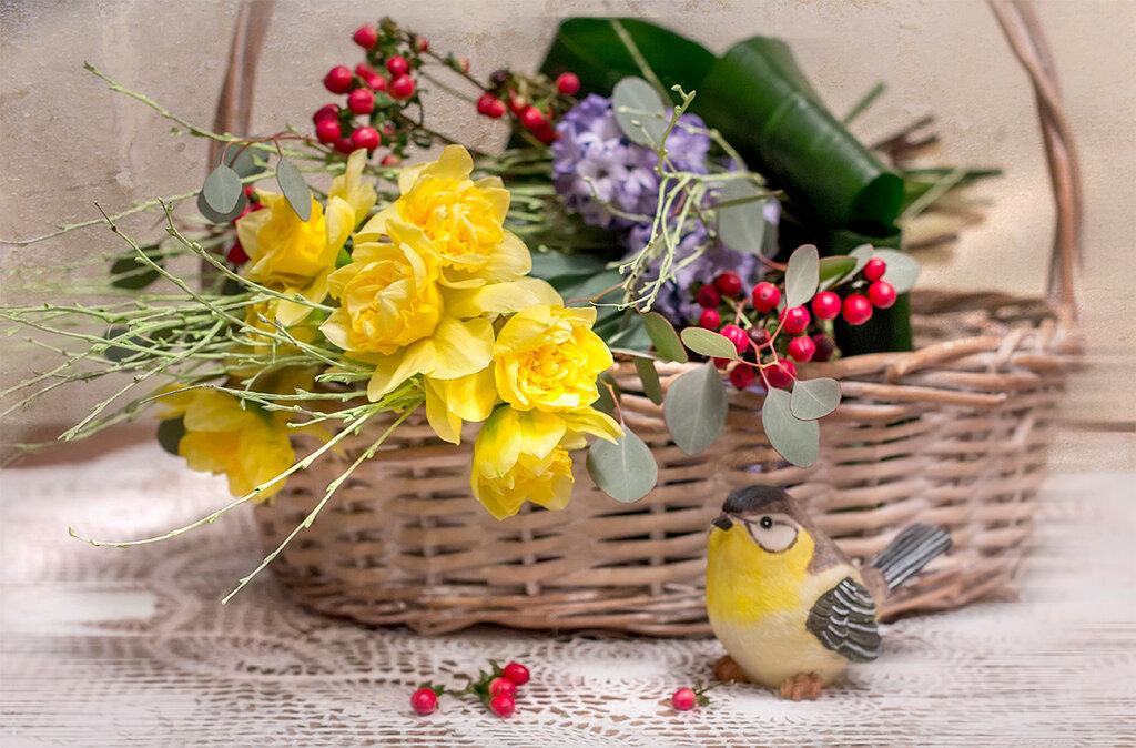 весна в корзинке...