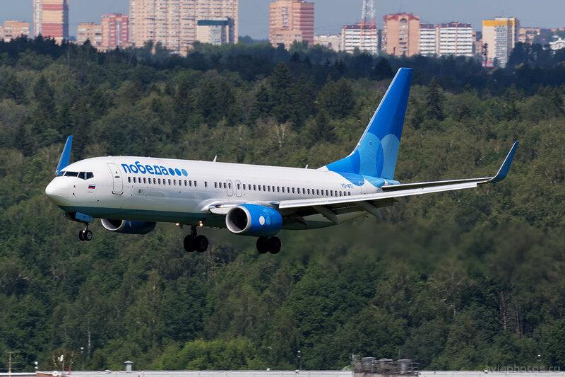 Boeing 737-8LJ (VQ-BTI) Победа D805420