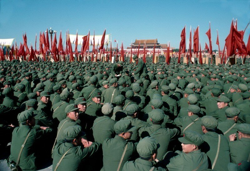 1976 Memorial Rally for the dead Mao in Tienanmen Square on September 18th.jpg