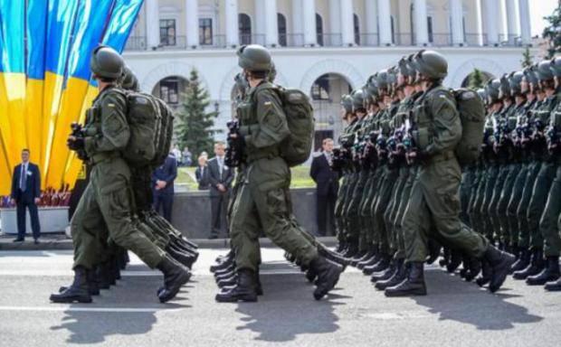 """""""Демонстрация того, что нам есть чем и как защитить мир и спокойствие в государстве"""": Порошенко объяснил, зачем украинцам парад"""