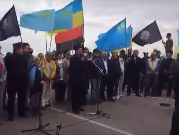 В сети опубликовали яркие видеозаписи акции крымских татар на адмінкордоні с Крымом (видео)
