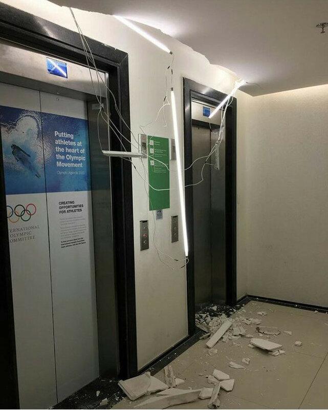 Тем временем в ол деревне для спортсменов (чуть не дотянули до закрытия) уже дома рушатся (фото К.Галкина)..jpg