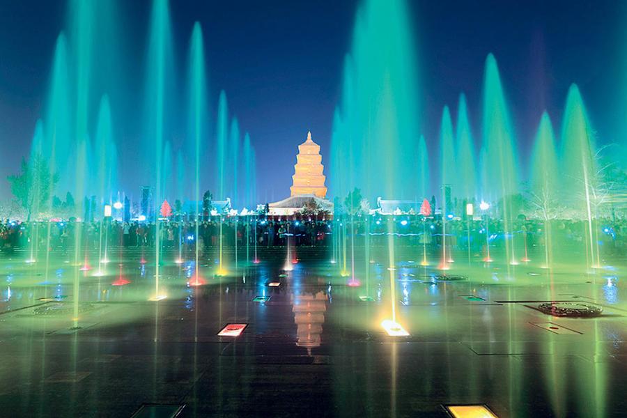 10. Фонтаны в Сиане, Китай Самые музыкальные фонтаны Ещё одно завораживающее зрелище – поющие фонтан