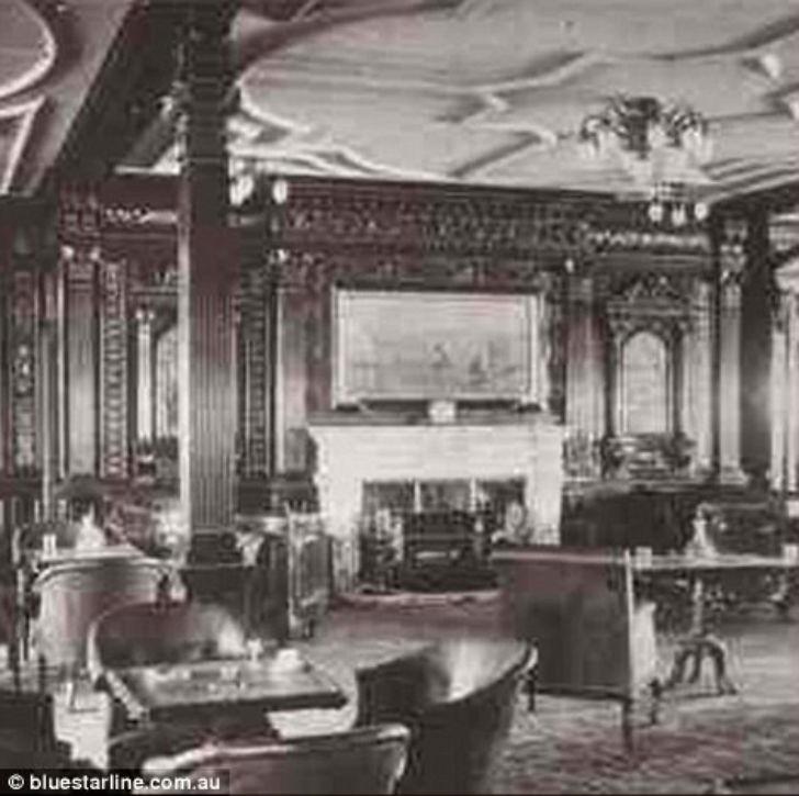 Курительные комнаты первого класса были местом, где собирались только мужчины, как в лучших клубах д