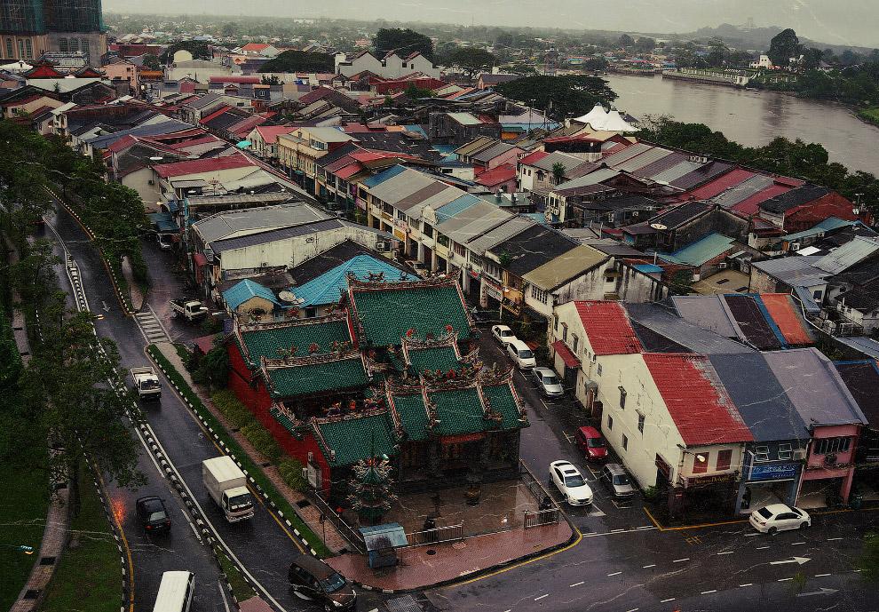 4. Дакар (Сенегал)   А, нет... Дакар — это все-таки в список «Самые злачные города мира» . С