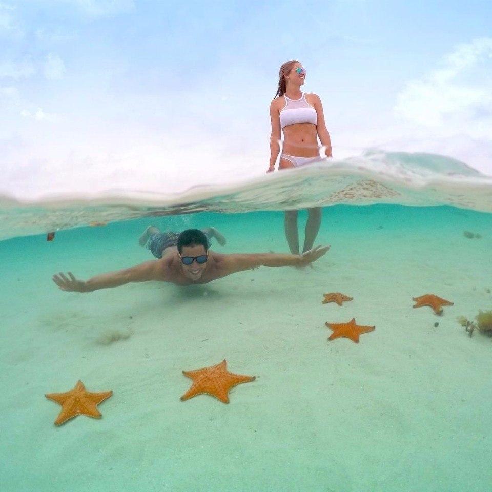 Парень который явно знает толк в подводных фотографиях. Очень живые полуподводные селфи!