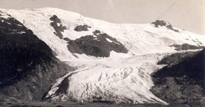 Что же произошло буквально за несколько десятилетий? Ледник Кори Калис, Перу — 1978 Ледник Кори Кали