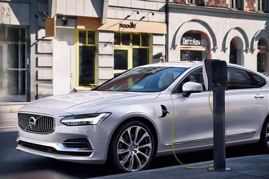Volvo построит свой первый электрический автомобиль в 2019. Генеральный директор компании Volvo Хака