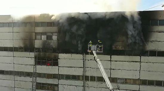 ВКишиневе сильный пожар наскладе: наместе работают 14 расчетов