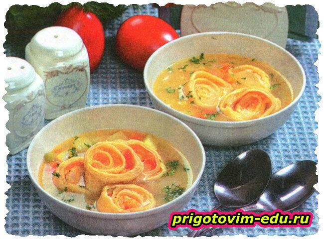 Суп овощной с сырными рулетиками в мультиварке