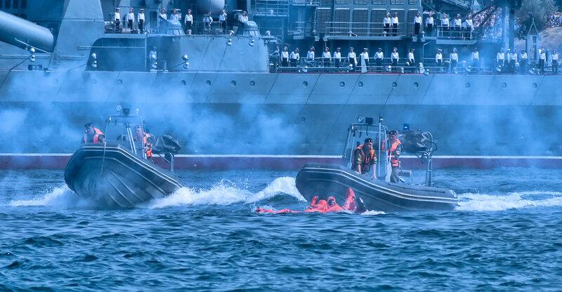 Спасатели спешат на помощь