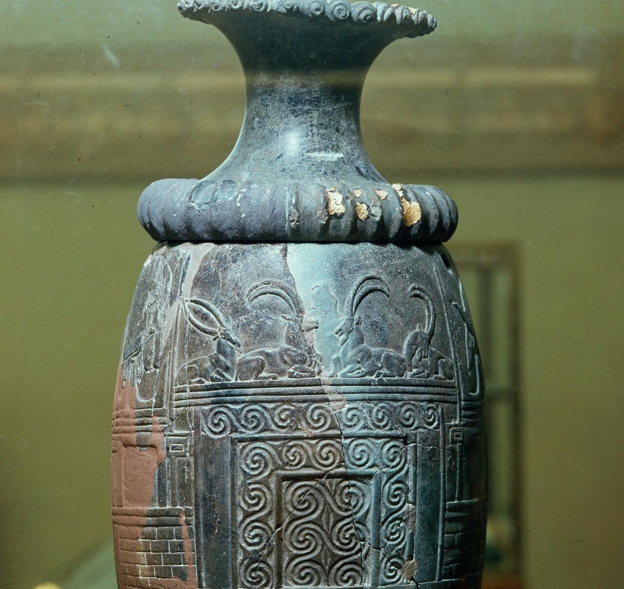 37. Археологический музей Ираклиона. Ритон