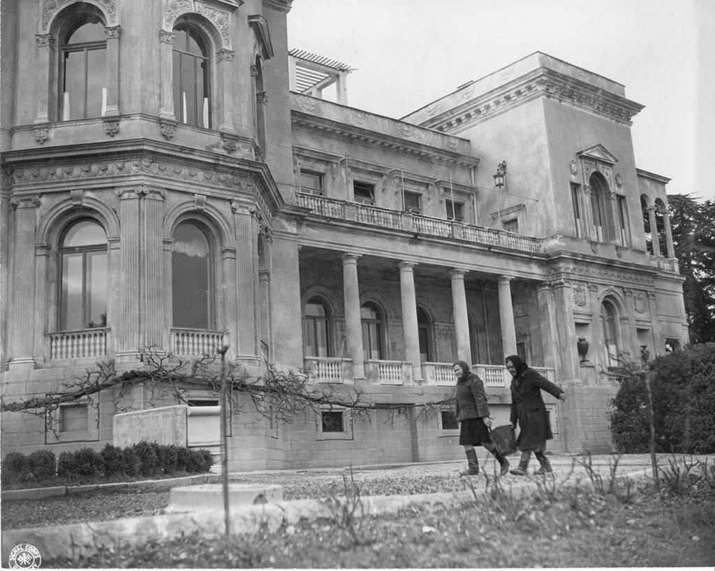 1945 Livadia.jpg