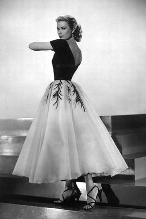 grace_kelly_dress_05.jpg