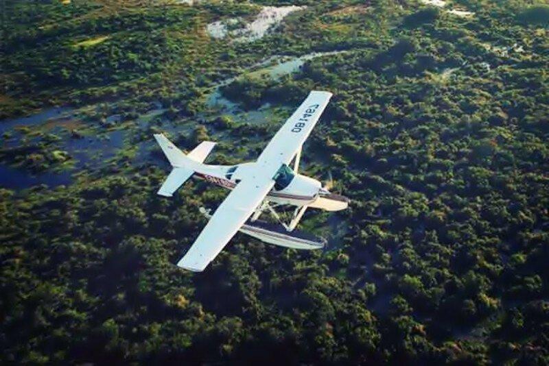 Осветили фарами взлётную полосу для самолёта жители Перу