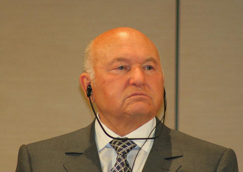 1280px-Yuri_Luzhkov_2010_Moscow_Unesco_01.jpg