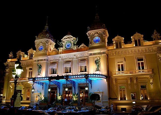 Самые привлекательные казино в мире (9 фото)