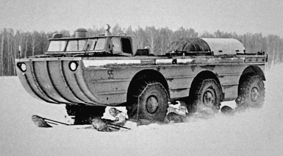 ЗИЛ-49042 (1972 – 1973 гг.) В 1972 году СКБ приступило к разработке поисково-эвакуационного комплекс