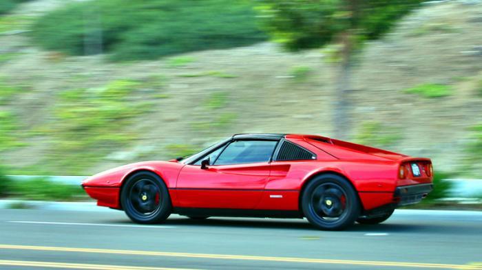 Машина построена на базе модели 308 GTS образца 1978 года, которая была куплена фирмой с выгоревшим